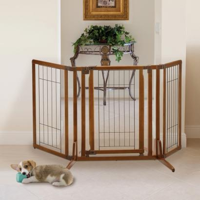 Dog gates pet gates pet freestanding gate for Door to gate kontakt